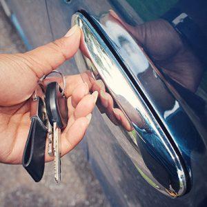 otwieranie-samochodow-slusarz